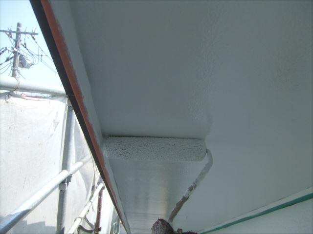 軒天塗装、1回目セラマイルド