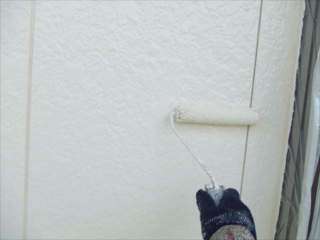 外壁上塗り2回目ダイヤスーパーセランマイルド