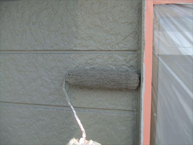 外壁上塗り2回目SKプレミアムシリコン