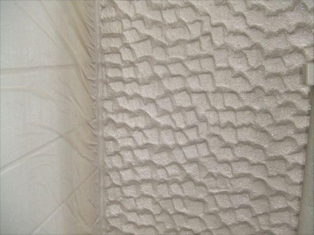 ALC材外壁吹き付け塗装後エレガンストーン