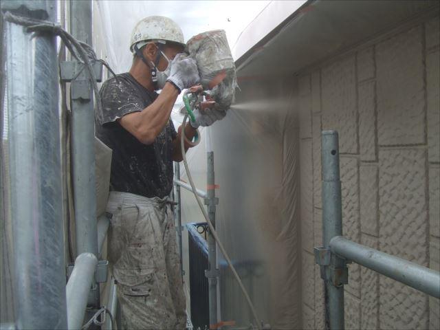 ALC材外壁吹き付け塗装エレガンストーン