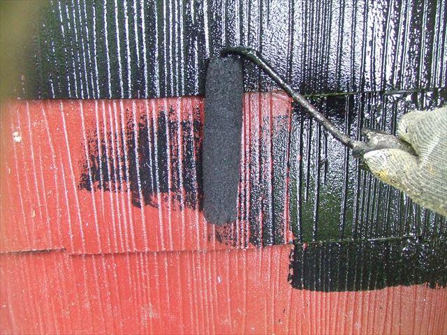 下屋根(1階屋根)1回目塗装、ヤネフレッシュシリコン