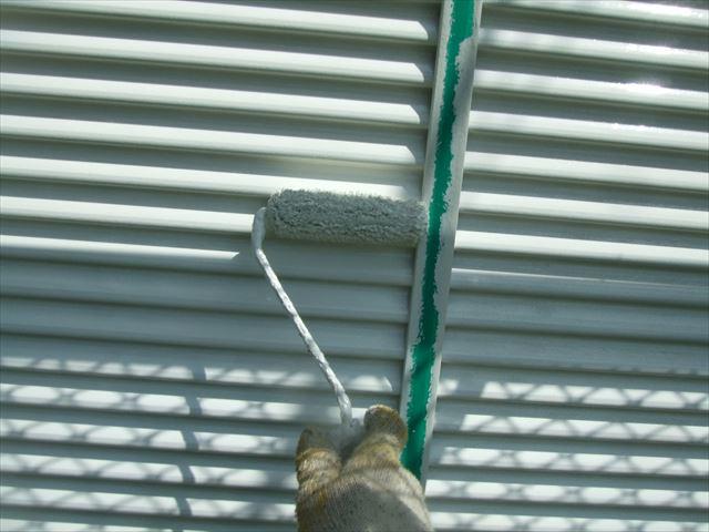 雨戸、戸袋2回目塗装、コスモマイルドシリコン2