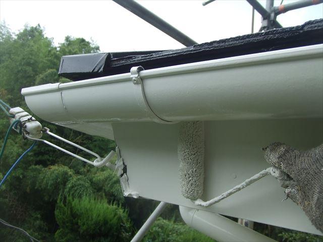 1階破風板3回目塗装、コスモマイルドシリコン2