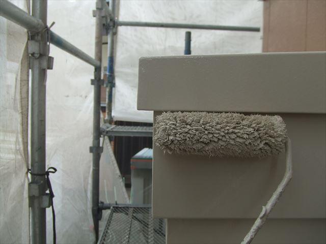 庇破風2回目仕上げ塗装、コスモマイルドシリコン2