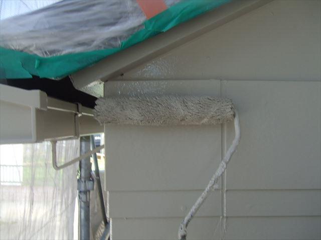 破風板2回目仕上げ塗装、クリーンマイルドシリコン