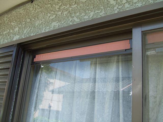 サッシ窓通気口、養生