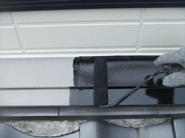 屋根上水切り塗装、コスモマイルドシリコン2