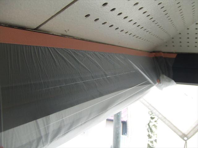 破風板の内側ビニール養生