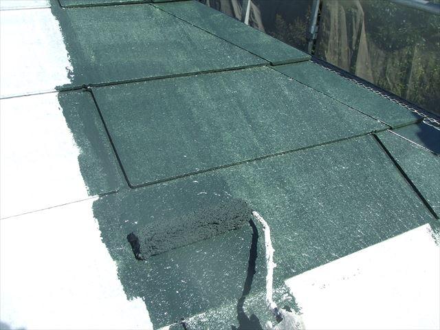 屋根上塗り1回目、デラフロンルーフ