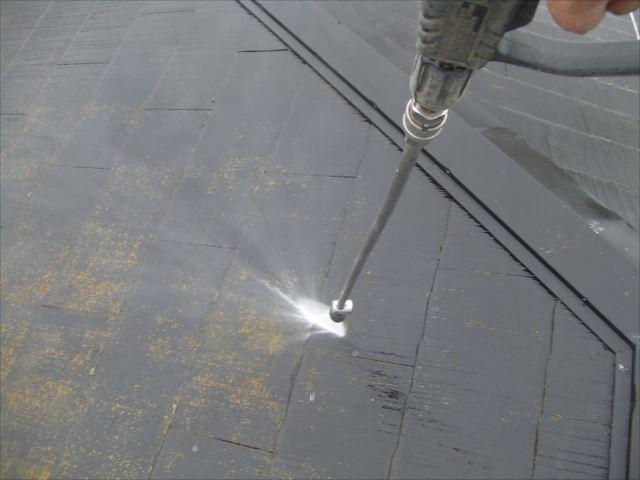 屋根、高圧洗浄