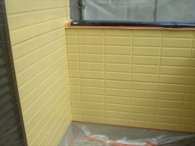 外壁下塗り後、SPRカラープライマー