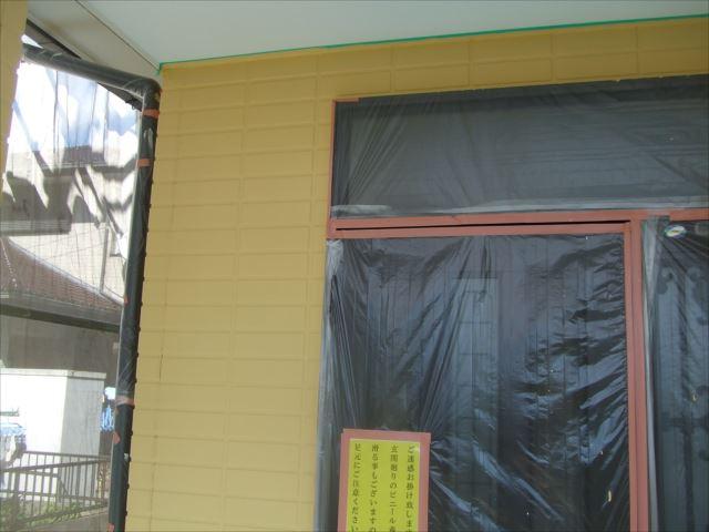 玄関下塗り後、ダイヤSPRカラープライマー