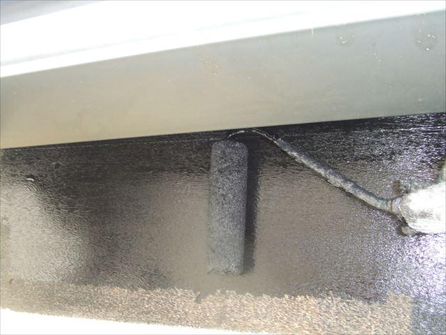 破風板ローラー塗り、コスモマイルドシリコン2