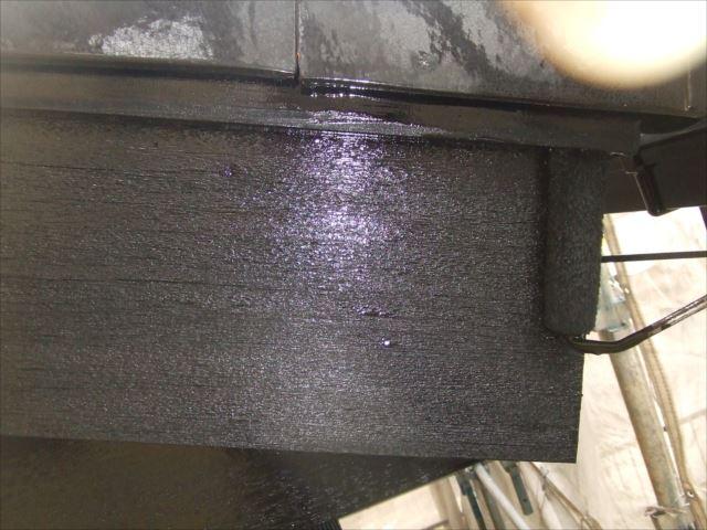破風板2回目仕上げ塗装、コスモマイルドシリコン2