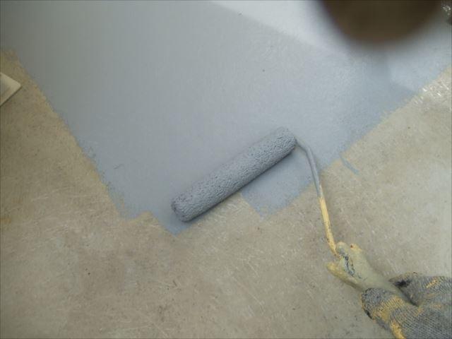 ベランダ防水下塗り1回目塗装、アトレーヌ
