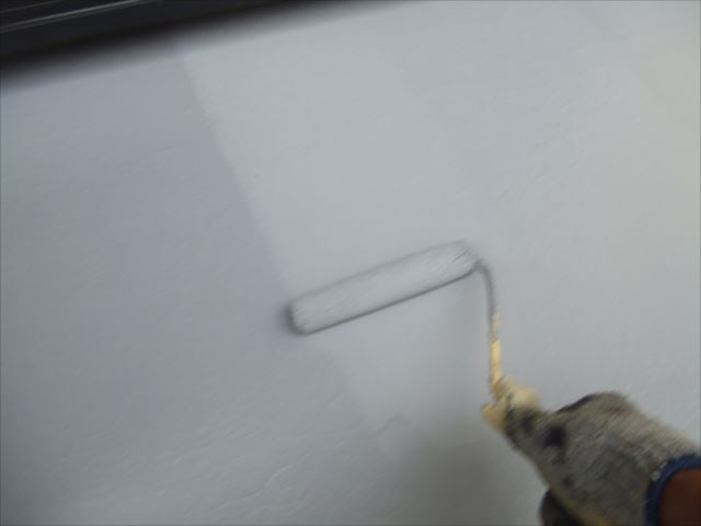 ベランダ防水下塗り2回目塗装、アトレーヌ