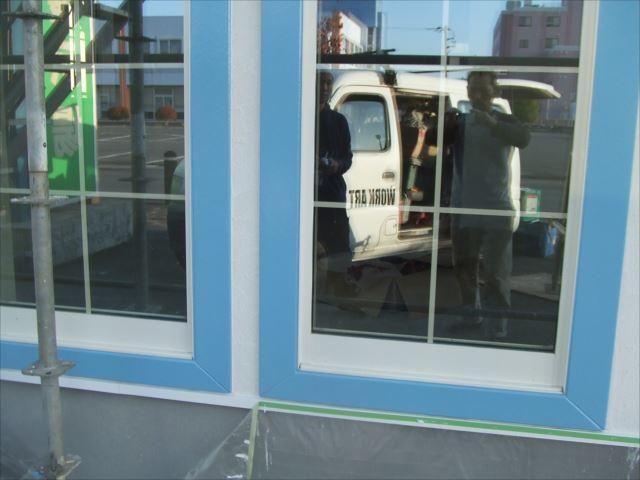 サッシ窓枠塗装、クリーンマイルドシリコン