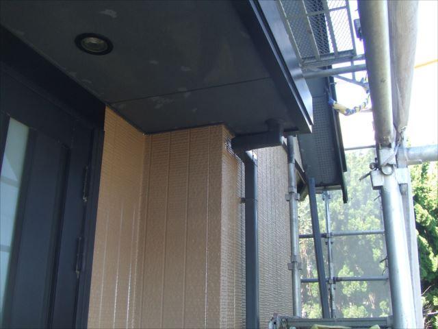 玄関周り塗装完了コスモマイルドシリコン2