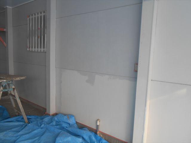 M邸壁上塗り1回目