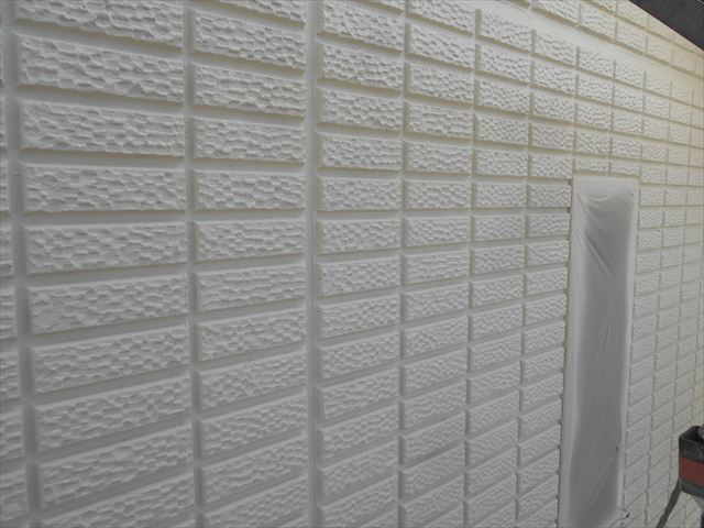 N邸外壁上塗り後