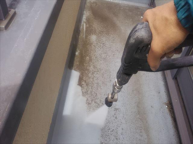 ベランダ床、高圧洗浄
