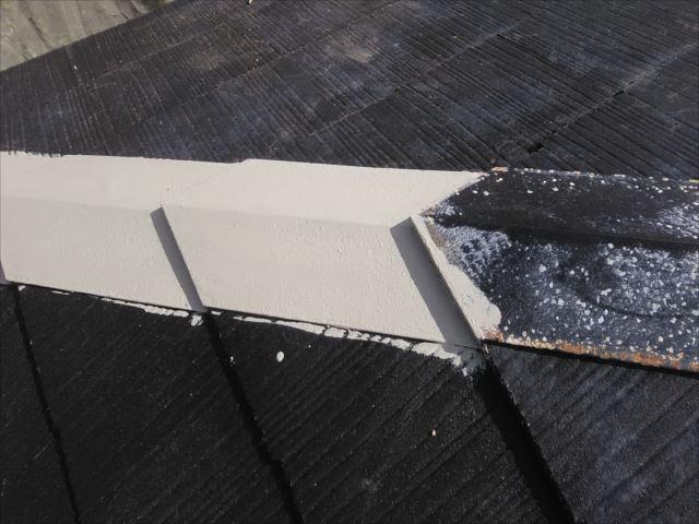 屋根の鉄板部分錆止め下塗り
