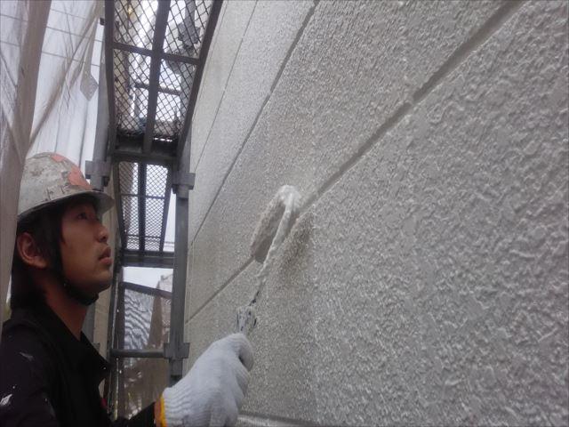 外壁着色2回目仕上げ塗装、セラミクリーン