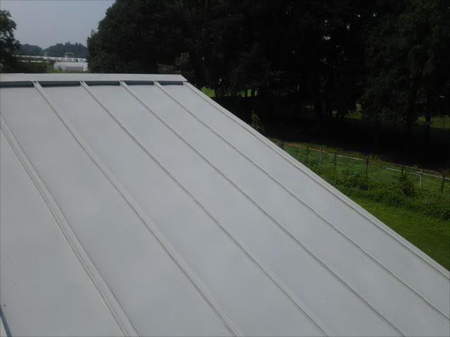 瓦棒屋根錆止め塗装後