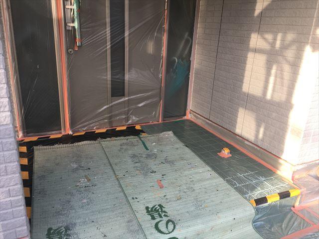 外壁下塗り 玄関足下