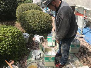 外壁下塗り塗料 撹拌作業